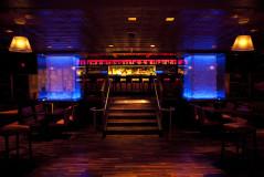 chicago-bar-lounge-dramatic