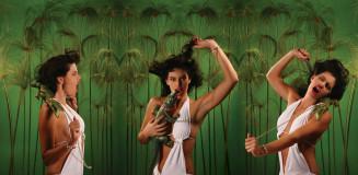 fashion-swamp-woman-alligator-wrestling